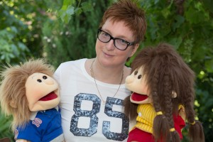 Nicole_Buch_mit_Living_Puppets